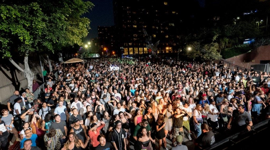 oue-skyspace-la-grand-opening-block-party